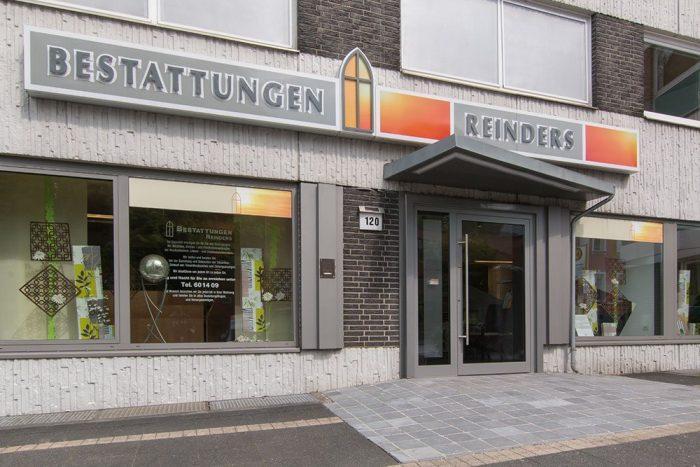Gebäude von Bestattungen Reinders in Odenkirchen