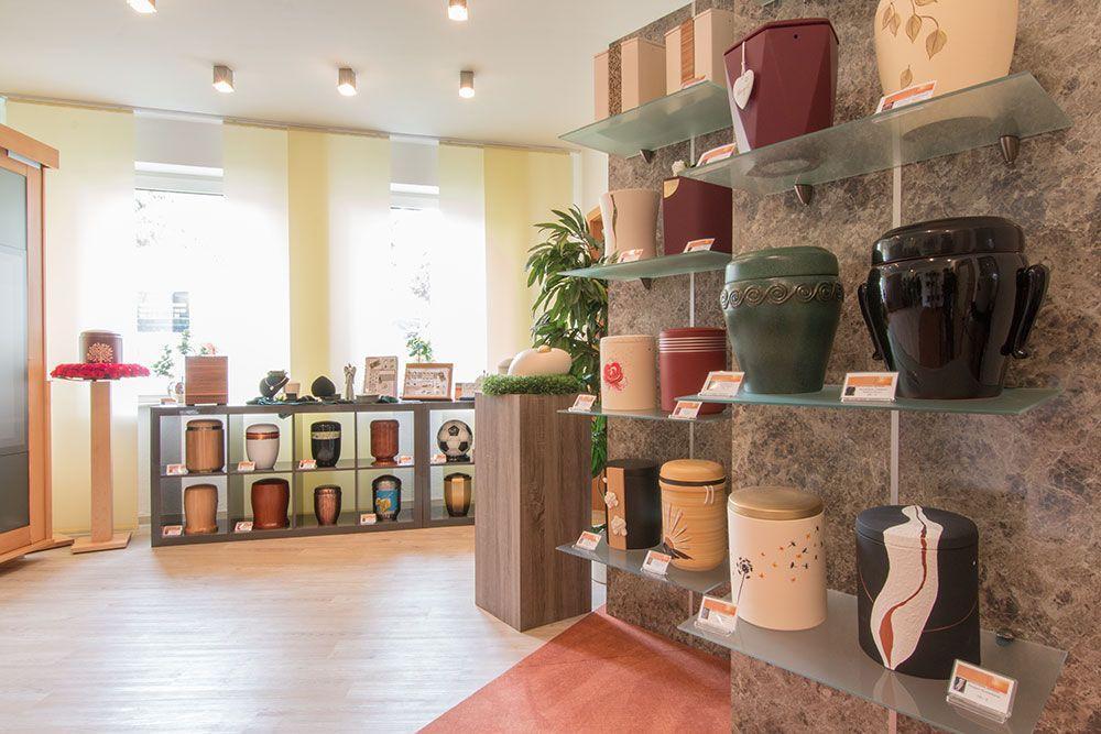 Urnen-Ausstellung in Mönchengladbach